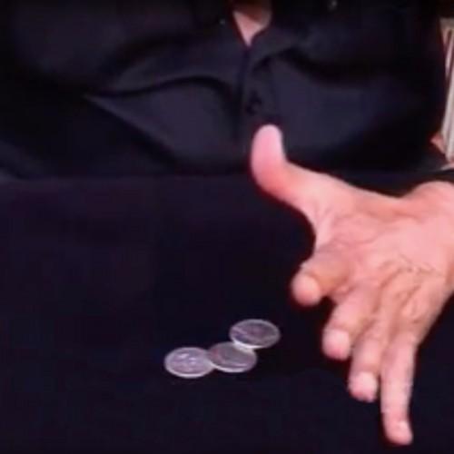 Les pièces à travers la table